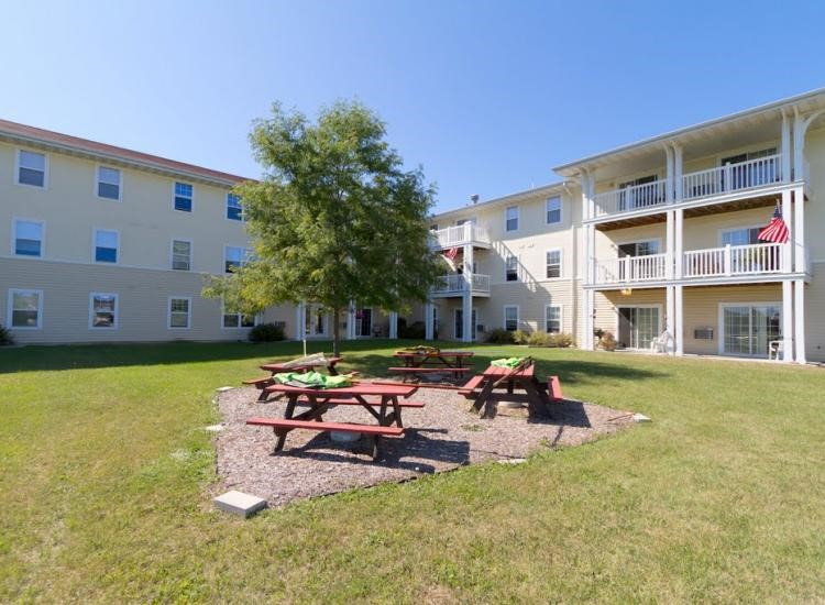 One reason to consider independent living in Burlington, WI is the senior housing opportunities.