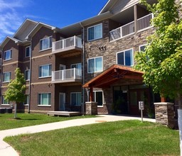 One reason to consider independent living in Cedar Rapids, Iowa is the comfortable amenities at Cedar River Bluffs Senior Apartments.